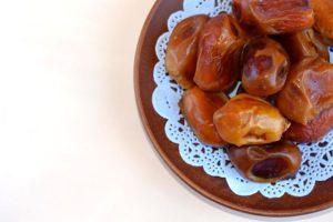 health benefits of eating dates daily
