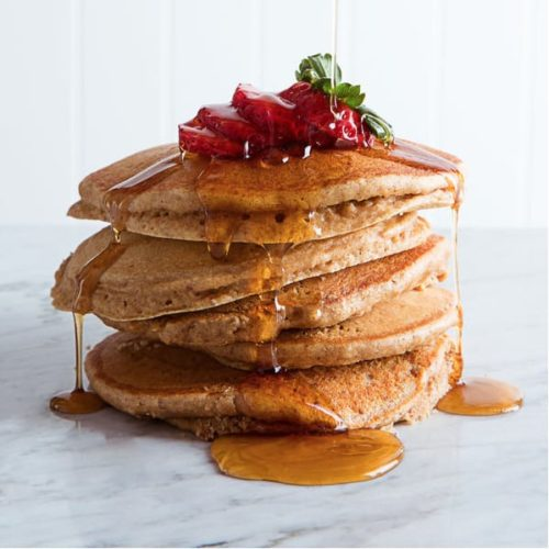 Healthy pancakes with syrup