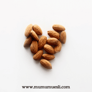 What Are the Benefits of Eating Almonds Daily